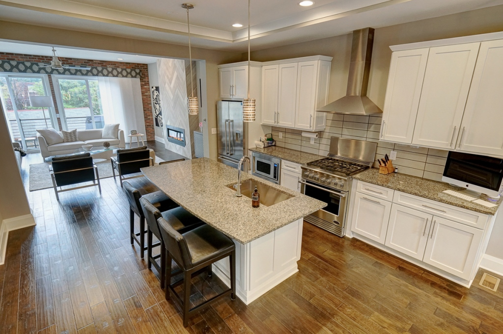 Short North Italian Village   865 Summit Street   Ideal location in the  heart of the Short North  Beautiful townhome with 2 bedrooms and 4  bathrooms  2 full. Metro Rentals  short north Apartment Search Columbus Ohio  short